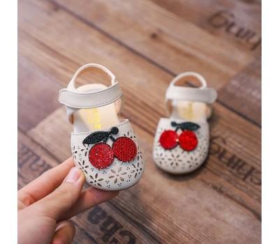 Красивые сандалики