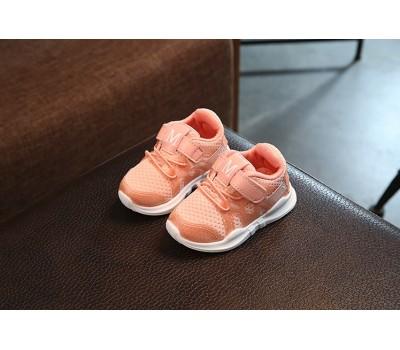 Легкие кроссовки с липучкой