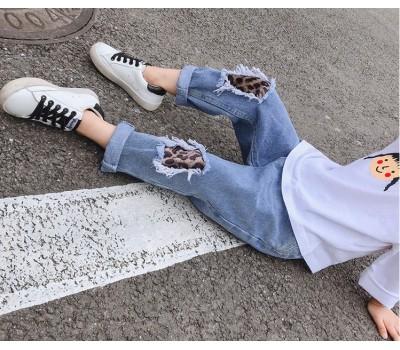 Стильные джинсы с бархатными вставками