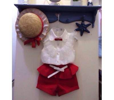 Костюм блуза с бабочкой и красные шорты