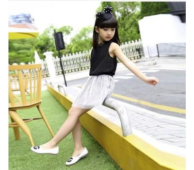 Легкий и стильный наряд для любого торжества  на девочку