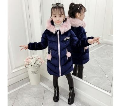 Зимняя куртка с брошкой