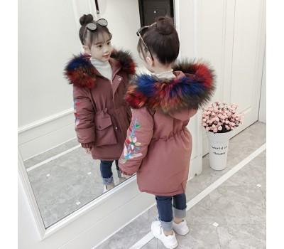 Зимняя куртка с разноцветным мехом