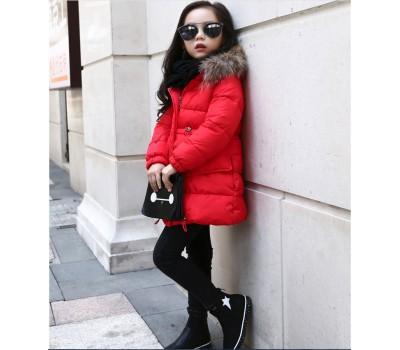 Зимняя куртка с капюшоном и скрытыми карманами
