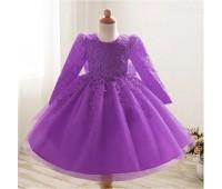 Шикарное платье с цветочными лентами