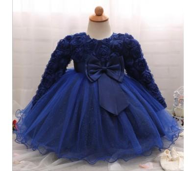 Шикарное платье  в розах