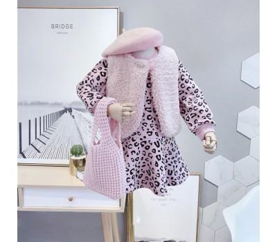 Очень стильное теплое платье с жилеткой