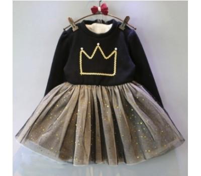 Теплое платье с короной