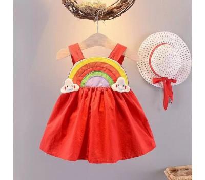 Красивое легкое платье со шляпой