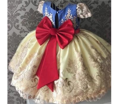 Красивое платье  с большим бантом