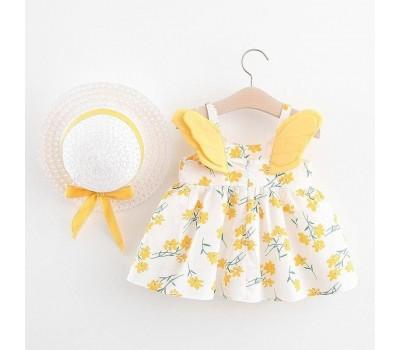 Легкое летнее платье со шляпой