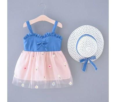 Легкое платье со шляпой
