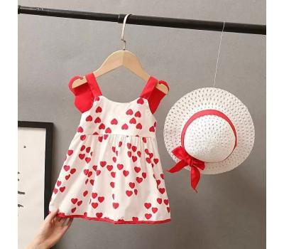 Нежное легенькое платье со шляпой