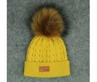Демисезонная шапка с бубоном, желтая