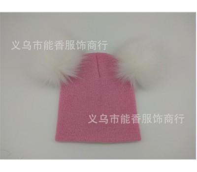 Легкая шапка с бубонами, светло розовая (белые бубоны)