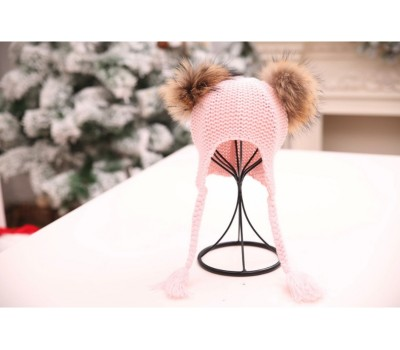 Шапка с бубонами на завязках, розовая