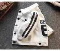 Белая джинсовка с черными полосами и  надписью BEANS67 (унисекс)