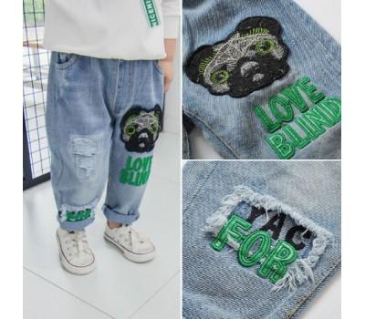 Яркие стильные джинсы с принтом собаки