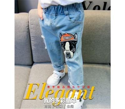 Яркие стильные джинсы с принтом собаки и потертостями