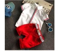 Нарядный костюм, белая рубашка и красные шорты