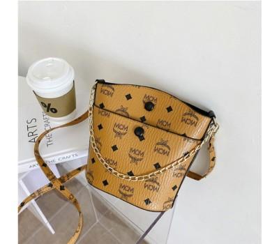 Классическая сумка с цепочкой